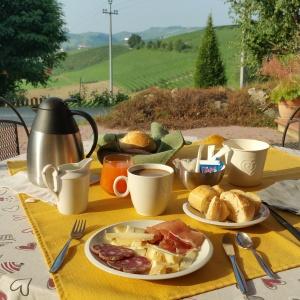 wine wankers piemonte trip piedmont breakfast at revello agriturismo