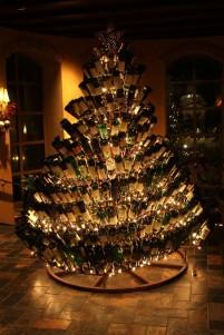 the wine wankers wine bottle christmas tree by @grapefriend