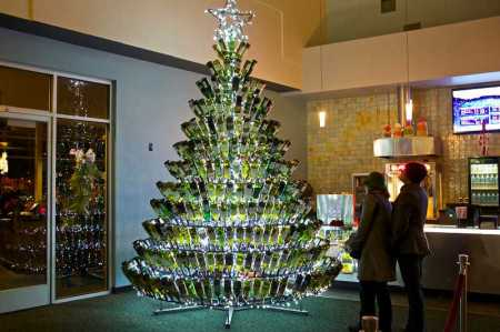 wine wankers wine bottle christmas tree couple